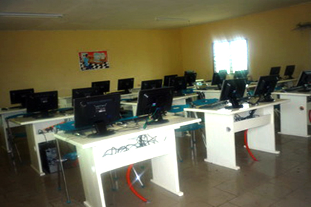 Computer Lab – Government Bilingual High School – Muea